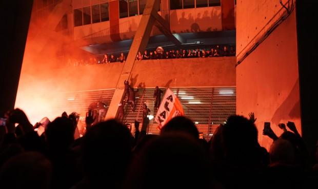UEFA straft Ajax weer om wangedrag supporters