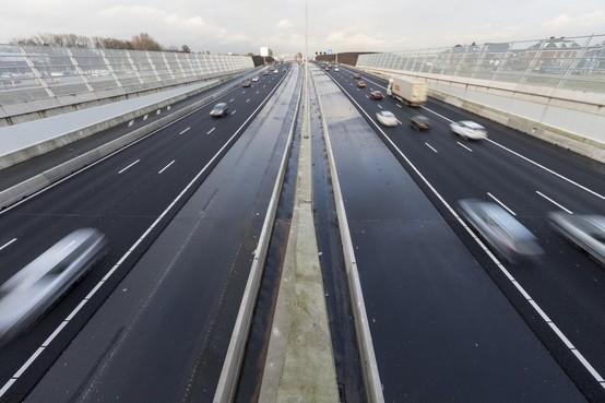 Extra rijstrook A4 van Den Haag naar Leiden open voor verkeer