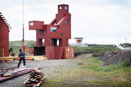 Sander Scholts (Forza) start petitie in ultieme poging om kunstwerk Domestikator bij strand IJmuiden weg te krijgen