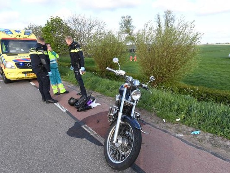 Motorrijder zwaargewond bij ongeluk Gelderswoude