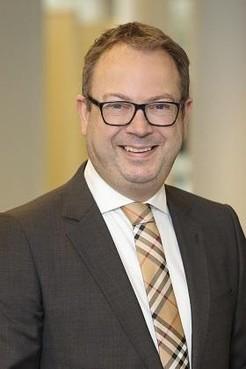 Burgemeester Van Benthem: 'Ik mag het niet zeggen, maar stakende ambtenaren, dat scheelt de gemeente een beetje geld'