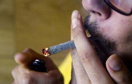 Zeker zevenentwintig Helderse sportclubs gaan rokers weren