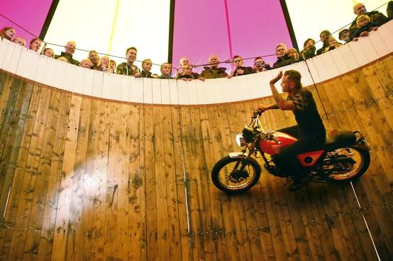 Oude tijden herleven; steile wand is dé attractie op Historisch Festival in Vreeland