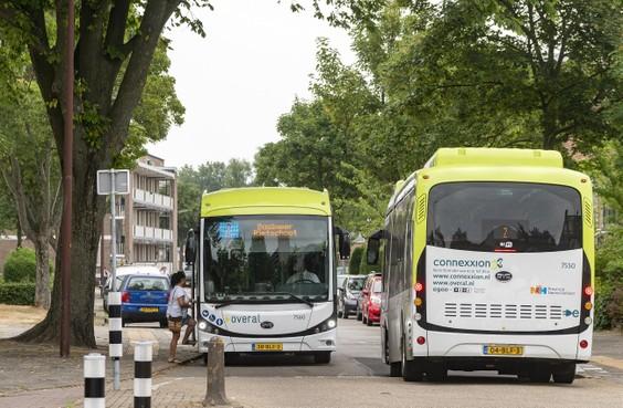 Provincie bepaalt het busvervoer. Wat willen de partijen?
