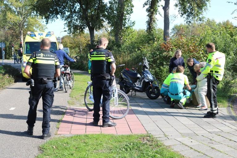 Gewonde bij botsing fietsster en scooterrijder in Noordwijk