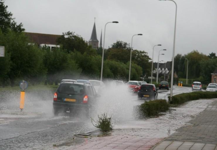 Wateroverlast in verschillende straten in Noordwijk