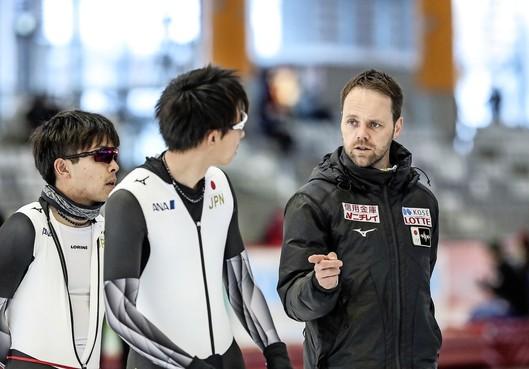 Op bezoek bij Edamse schaatscoach Johan de Wit in Japan: 'We hebben hier een fantastisch leven'
