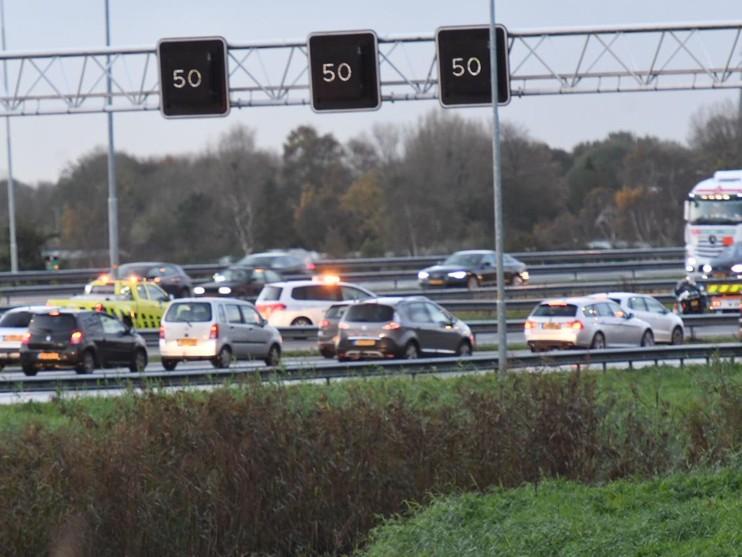 Lange files op A4 bij Leiden door aanrijding