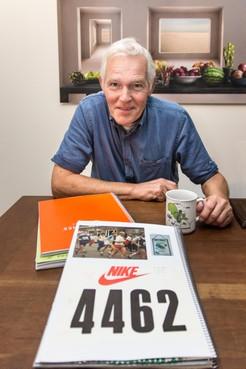 Hans Rep (68) liep alle Dam-tot-Damlopen: 'Mooi hoor, eerst de Kenianen en dan een groep ouwe mannen er achteraan'