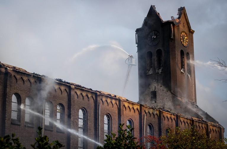 Torenspits van kerk in Hoogmade ingestort [video] [update]
