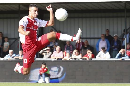 Tweede divisie: IJsselmeervogels zonder centje pijn richting derby