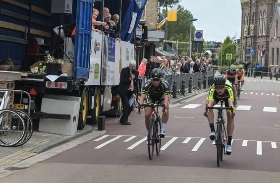 Rick van Breda wint de Ronde van Obdam na spannend sprintduel