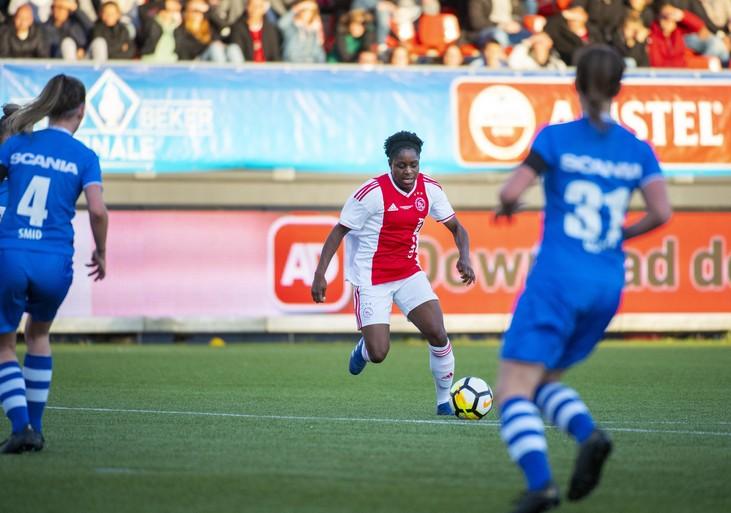 Voetbalsters Ajax pakken beker in blessuretijd