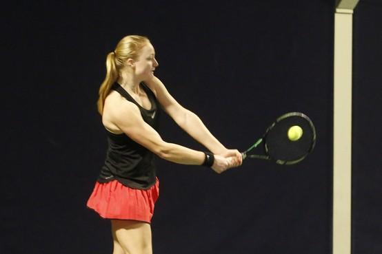 Bont tennisgezelschap bij Tulip