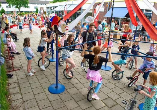 Een dol circus op het schoolplein in Landsmeer