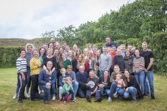 Familie Oudendijk uit Santpoort-Noord gaat elk jaar met 45 familieleden kamperen
