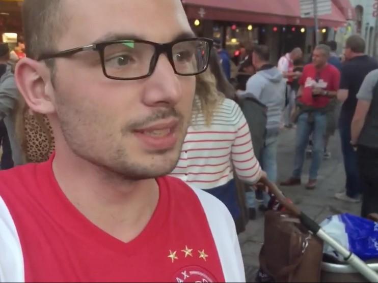 Ajax kijken in Stockholmse kroeg: 'Maar we waren erbij' [vlog]