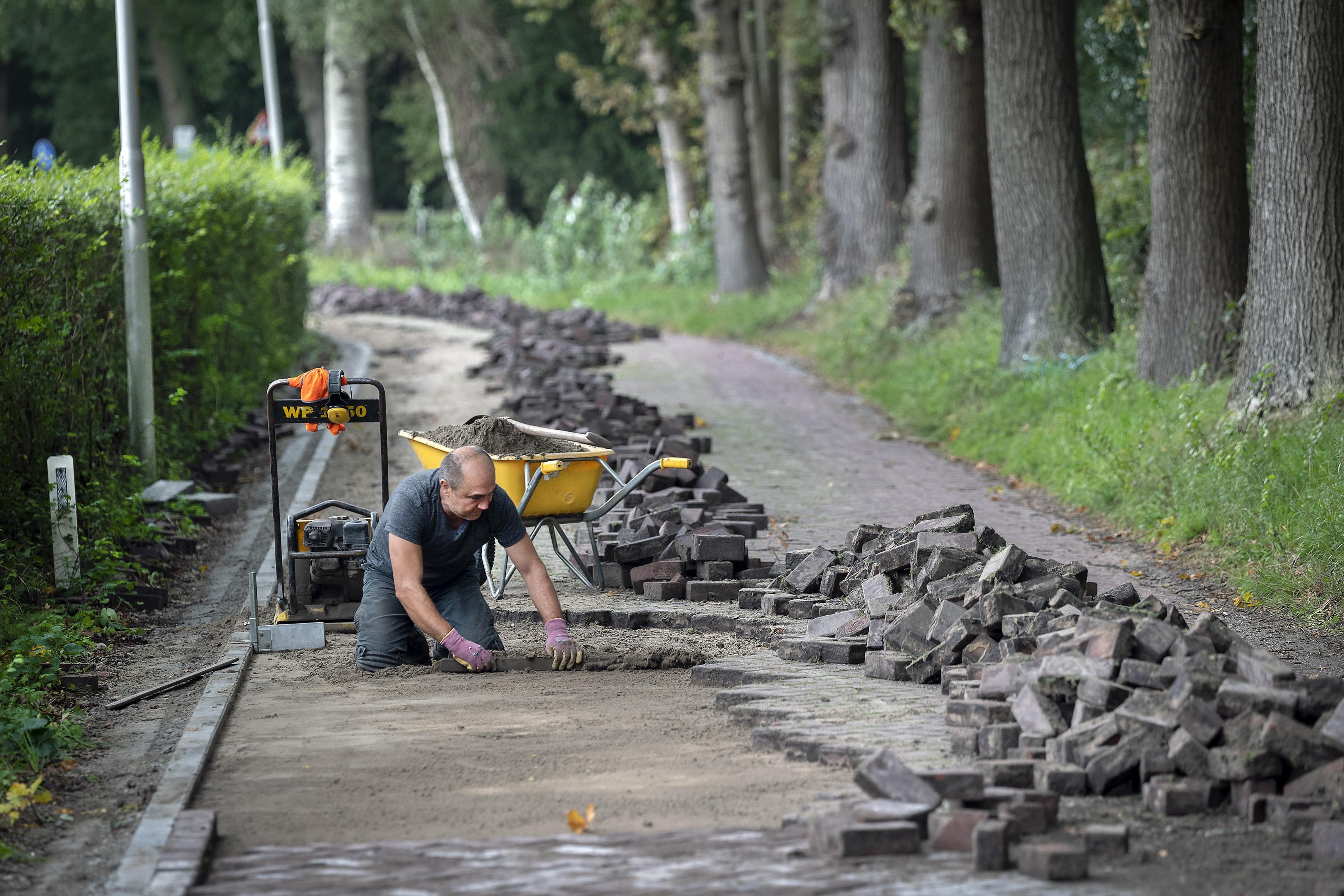 Kennemergaardeweg in Santpoort-Noord krijgt nieuw wegdek - IJmuider Courant