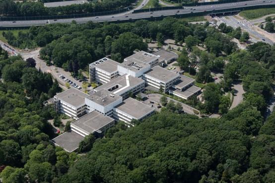 Omwonenden ziekenhuisterrein Blaricum: 'Geef terrein terug aan natuur of maak er villawijk van'