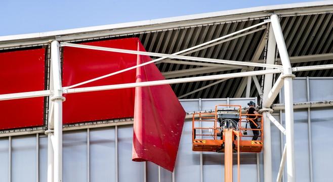 Burgemeester en AZ gaven enkele maanden voor instorten dak de garantie dat het stadion veilig was. Is deze veiligheidsverklaring een wassen neus?