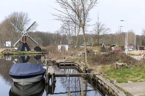 Leiden koopt water voor brug Poelgeest