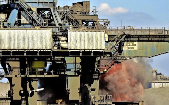Harsco moet nu al 95.000 euro betalen voor stofoverlast in Wijk aan Zee