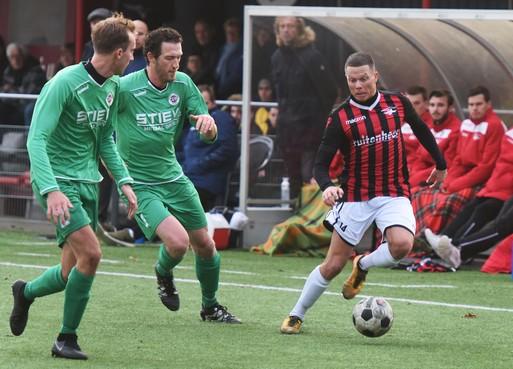 Voetbalclubs Hoorn willen zelf regie over toekomst