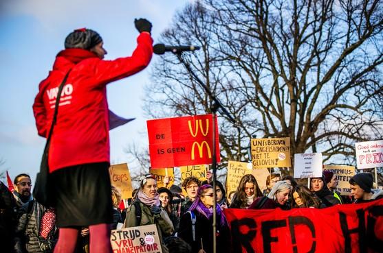 Boze docenten #WOinactie demonstreren massaal in Den Haag