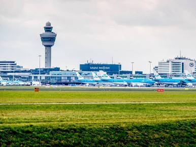 Staking Schiphol van de baan