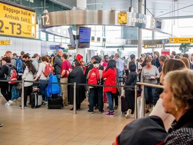 Honderden vluchten Schiphol geschrapt