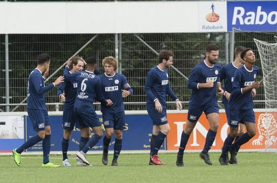 Trainer Coto ziet hoe zijn strijdplan voor Fortuna W goed uitpakt in bekerduel tegen Ter Leede