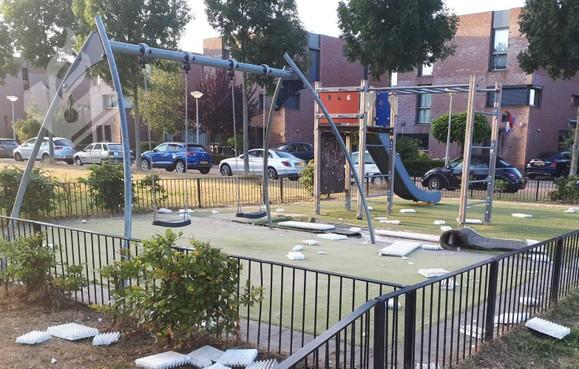 Speelplaats Nieuw-Vennep vernield