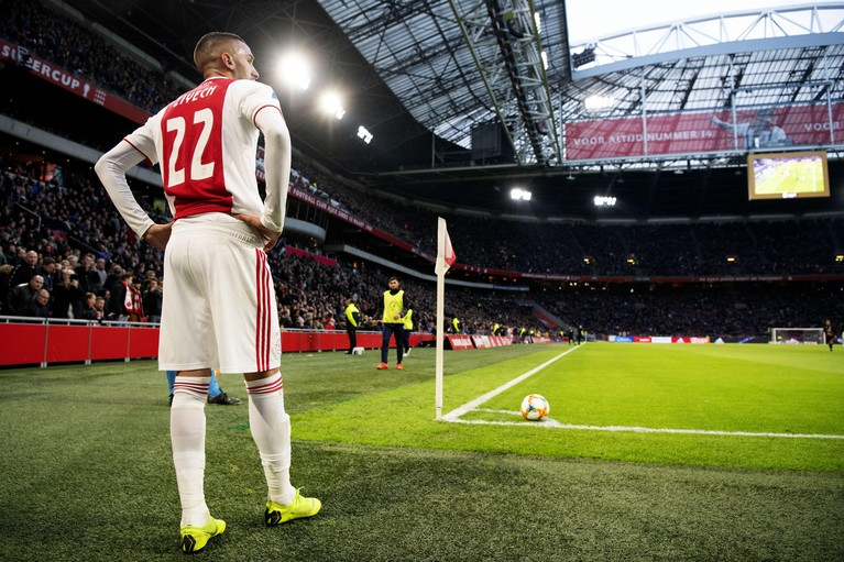 Ajax verslaat Excelsior met 6-2 [video]
