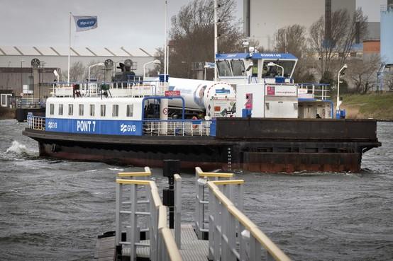 GVB wil geen alternatief vervoer regelen als de pont in Velsen niet vaart door storm
