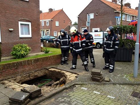Gesprongen waterleiding in Heemskerk