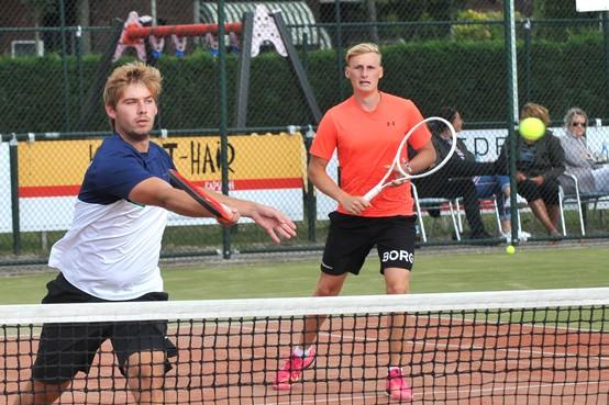 Laatste duel mannendubbel 3 Fortuna Open laat lang op zich wachten, zege voor Tim Beijer en Kyle Harrems