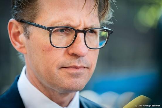 'Zedenverdachte verplicht onderzoeken'