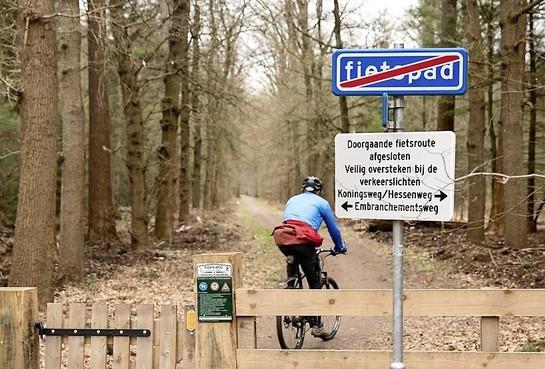 Fietspad door landgoed Pijnenburg in Lage Vuursche gaat niet meer open