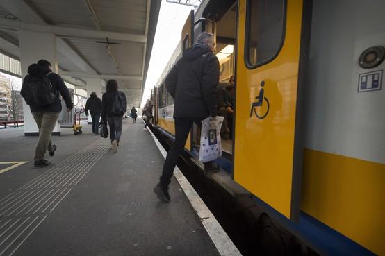 Op traject Leiden-Alphen zijn gehandicapten weer afhankelijk van hulp: geen 'rolstoelvriendelijke' treinen