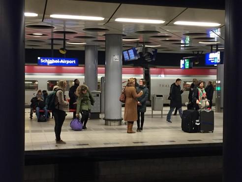 KLM zet eerste stap met minder vluchten op Brussel