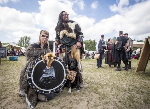 Keltische sferen in Groene Weelde: 'Het voelt beter om zo rond te lopen dan in mijn dagelijkse kloffie'