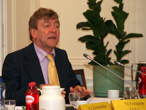 Justitie bevestigt vervolging Aerdenhoutse politicoloog Meindert Fennema
