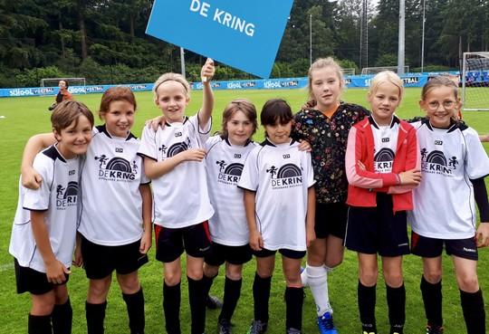 De Kring uit Haarlem op curieuze manier Nederlands kampioen schoolvoetbal: alle teams winnen