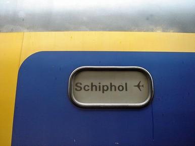 Hinder voor treinreizigers Schiphol voorbij