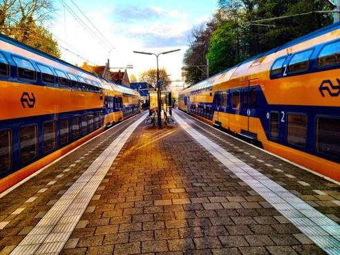 Wethouder Bloemendaal legt zich neer bij meer treinen door Overveen