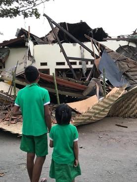 Kindertehuis Lombok nu totaal in puin [video]