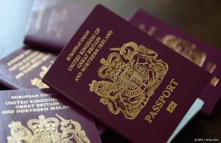 Kamer: dubbel paspoort voor landgenoten in GB