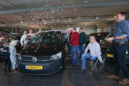 Vrienden regelen nieuwe auto voor Ed uit Hoogwoud