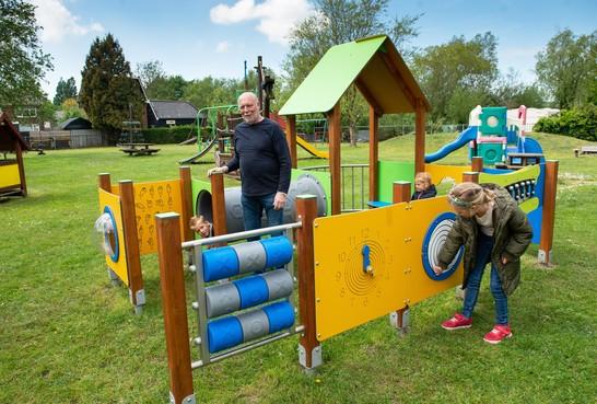 Klaas Dobber 40 jaar bij speeltuin Landsmeer: 'Kleine kinderen zijn leuk'