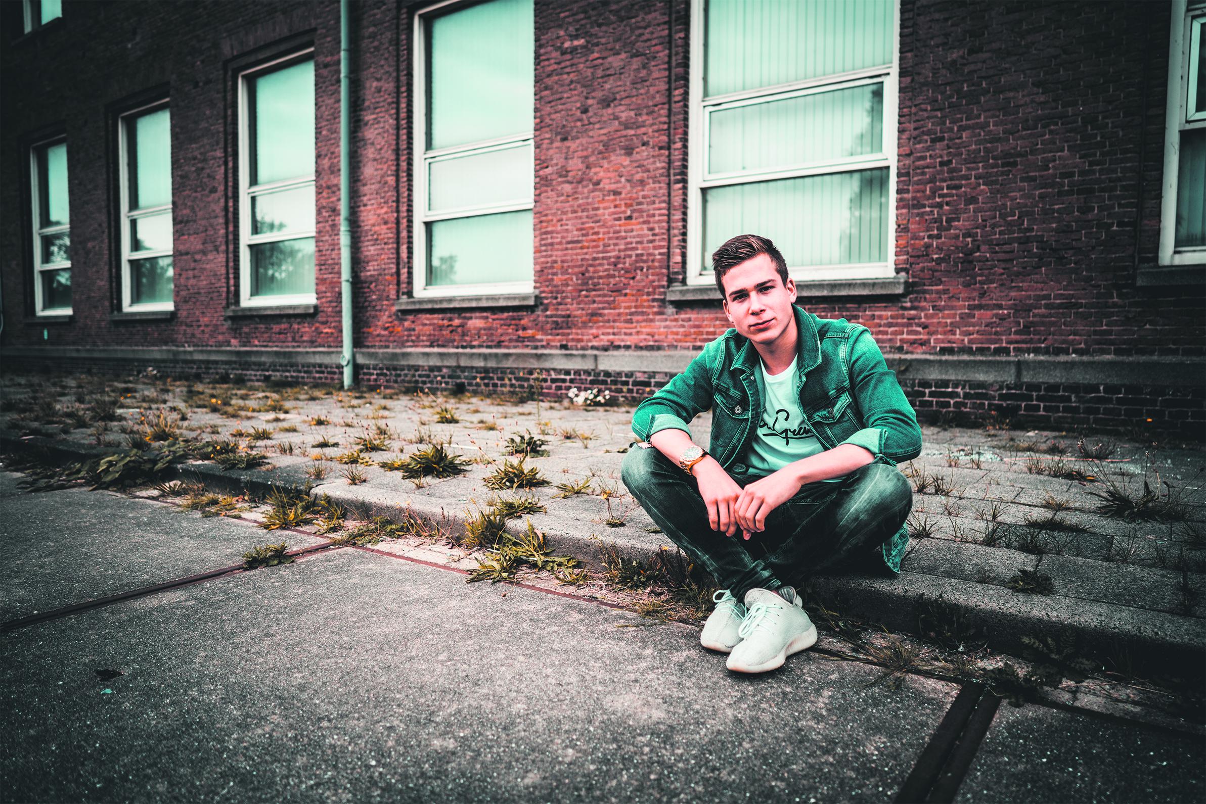 Ference Versteegh (18) wil anderen laten zien hoe mooi 'zijn' Den Helder is en maakt er een film over - Noordhollands Dagblad